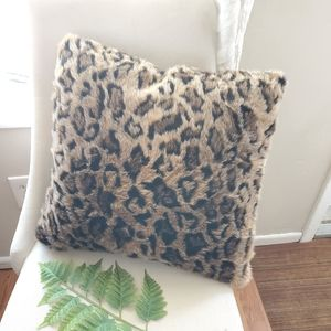 20 in x 20in leopard THROW PILLOW